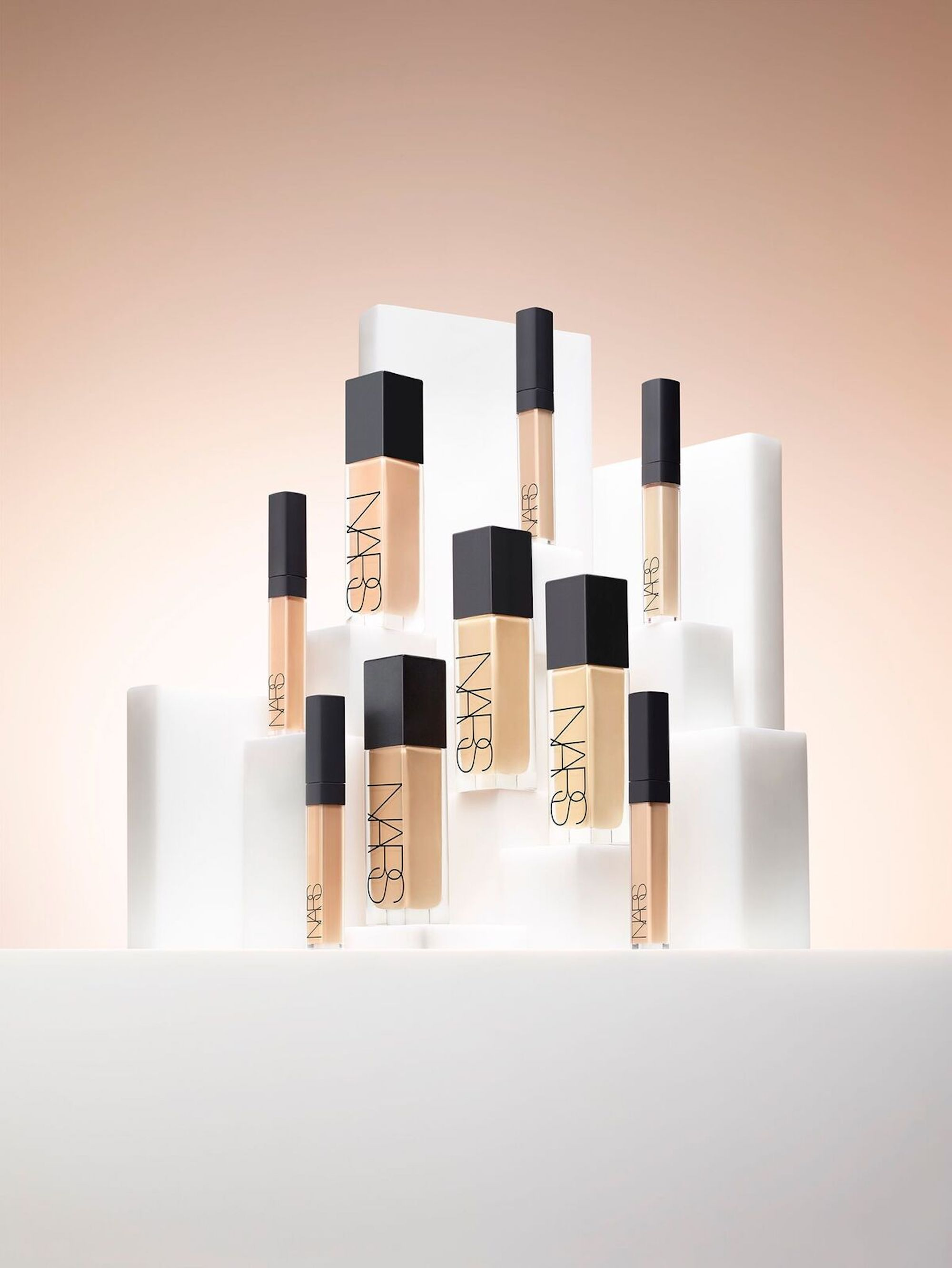 Natural Radiant Prom Makeup Tutorial: Make-up: 'Natural Radiant Longwear Foundation' Von NARS